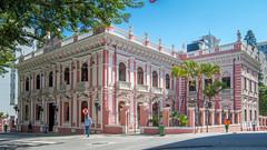 Palácio Cruz e Sousa (Jhonnilo) Tags: palace palacio sousa cruz florianopolis brazil brasilien brasil br sc rosa pink rbe farbe cores azul céus sky verde people pessoas man made