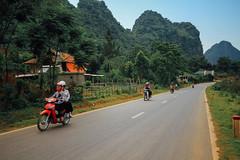 Motorcycles on Rural Road, Vietnam (AdamCohn) Tags: adamcohn bnnaco sơnla vietnam drive geo:lat=21331026 geo:lon=103869455 geotagged motorbike motorcycle road wwwadamcohncom thànhphốsơnla