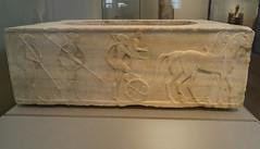 """Base for a Kouros - II : Chariot and Hoplites (egisto.sani) Tags: apobatikos """"agon apobatikos"""" gioco funerary base funeraria """"late archaic"""" """"tardo arcaico"""" style period periodo stile """"archaic period"""" arcaico archaic greca marble marmo bassrelief bassorilievo scultura """"themistoklean wall"""" keramikos ceramicos atene athens """"national archaeological museum"""" """"museo archeologico nazionale"""" """"no 3477"""" nr 3477 """"nr"""