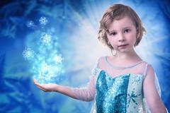 Elsa (mad_airbrush) Tags: 5dmarkiii eos 2470mm 2470mmf28lusm 2470mmf28l ef2470mmf28lusm lotta daughter tochter kid child girl elsa frozen eiskönigin fasching carnival halloween blue ice eis icy frost frosty snow schnee eiskristalle qween studio strobist strobistcom speedlite speedlight flash blitz apollo softbox westcott octabox jinbei jinbeiflii500 jinbeidm2400 yongnuo yn622c ps effects 5d costum cosplay kostüm waltdisney movie film animation cold kalt