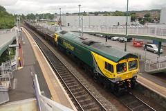 66528+67007 Camelon, Scotland (Paul Emma) Tags: uk railroad train scotland railway locomotive falkirk class66 camelon diesellocomotive dieseltrain class67 67007 66528 6k35