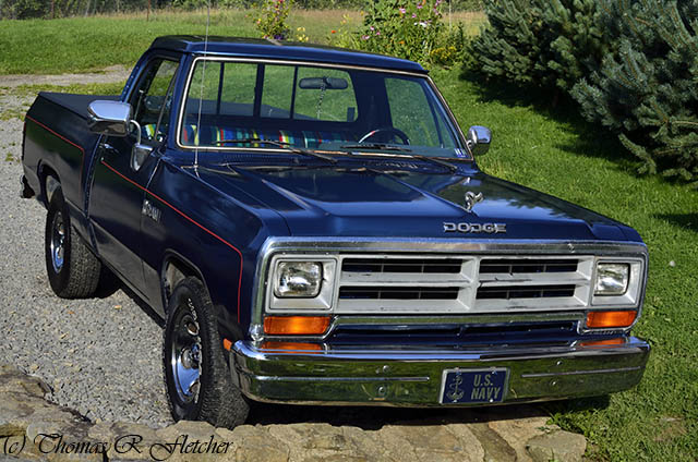 classic truck vintage automobile unique automotive american transportation vehicle motor 1989 mopar ram rugged horsepower dodgeram bedcover v8engine 31x1050 318cubicinch throttlebodyfuelinjection 521liter twilightbluemetalicpaintcolor