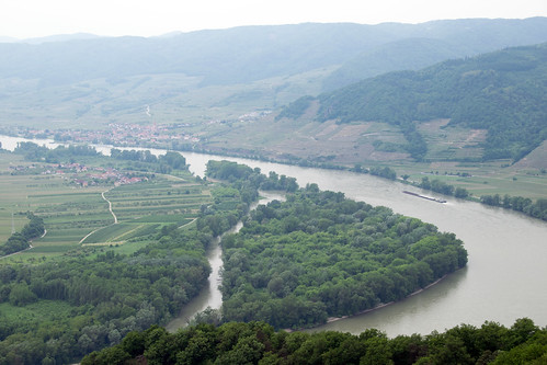 bend of the Danube north of Rossatz