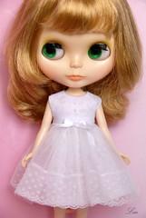 Blythe/Licca white dress