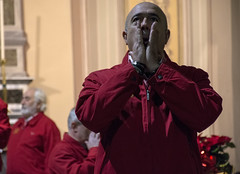 Cantar Storie (luciano_campani) Tags: domodossola coro choir folk music musica canto singing italy italia italien rosso red man singer uomo cantante