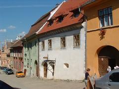 Segesvár, Iskola utca épületei