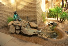 20161214  Statue near the Dining Area (lasertrimman) Tags: 20161214 wooddale village retirement community wooddalevillageretirementcommunity suncity az statue near dining area statuenearthediningarea ruth