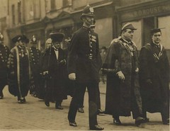 Policeman escorting mayoral procession, Hull 1920 (archive ref POL-4-10-11-2) (East Riding Archives) Tags: police policeman policemen east riding yorkshire constabulary constable officer officers law enforcement constables hull city