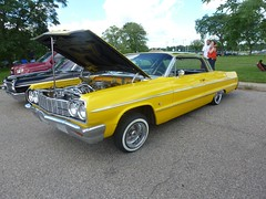 Yellow power style, low rider (Tatiana12) Tags: park cars michigan detroit restored lowrider classiccars carshow belleisle 2015