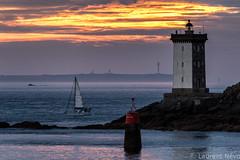 _4LN9761 : fin de journée devant Kermorvan (Brestitude) Tags: sunset lighthouse soleil brittany bretagne breizh phare stiff couché finistère louve leconquet ouessant balise ushant kermorvan brestitude ©laurentnevo2015