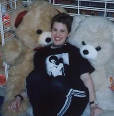 vicious (Rust Belt Jessie) Tags: smile mall silliness teddybears sidvicious rustbeltjessie