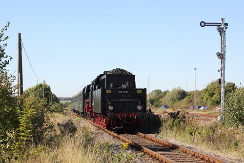 50 3610 mit Personenzug in Klostermansfeld
