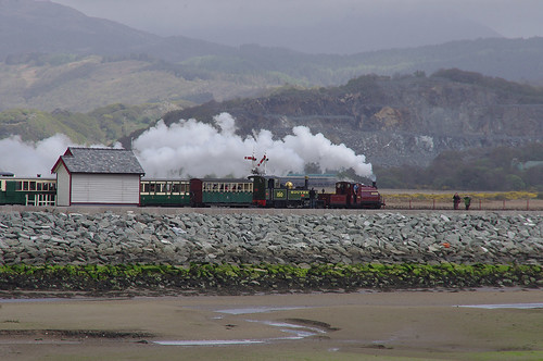 RD13242.  LYD & PALMERSTON departing from Harbour Station.