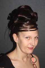"""Chignon coque • <a style=""""font-size:0.8em;"""" href=""""http://www.flickr.com/photos/115094117@N03/18420303159/"""" target=""""_blank"""">View on Flickr</a>"""