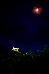 The red moon (sonica@2006) Tags: from light red moon castle up japan clouds for fantastic break it will chiba be fujifilm which shines slightly the appears xm1 xf35mm tateyamajo
