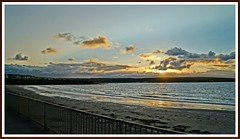 sundown over the bay (tor-falke) Tags: sunset sea sun sunrise scotland soleil seaside meer flickr mare sonnenuntergang sundown sony scottish dslr sonne schottland coucherdusoleil thurso schottisch scotlandtour schottlandtour sonyalpha alpha58 torfalke flickrtorfalke schottlandreise2015