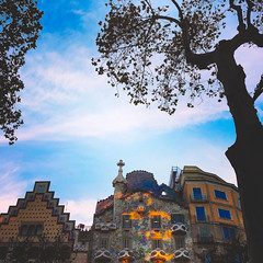 Casa Batlló (fgazioli) Tags: iphone ios iphoneonly apple street spain espanha casa batlló casabatlló antonigaudí gaudi europe eurotrip travel architecture