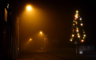 Brouillard hivernal / winter fog - Verne (Lapte), illuminations 2015