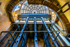 Elbtunnel inside (Duke.Box) Tags: elbtunnel alterelbtunnel hamburg hamburgerfotofreaks fahrstuhl treppenhaus architektur nikond7200 nikkor1024mm indoor geometrisch