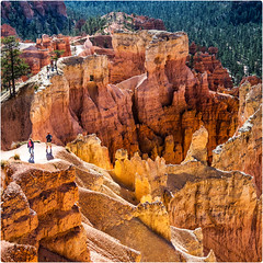 Bryce ^ 2 (-Visavis-) Tags: brycecanyon nationalpark usa colorful square squareframed people fujix100 finepixx100 trail queen'sgardentrail hoodoo trailloop rockformations utah 50mmequivalent bsquare