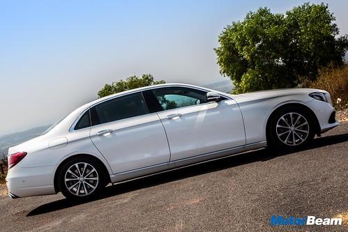 2017-Mercedes-E-Class-LWB-4