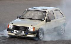 B571 HTV (Nivek.Old.Gold) Tags: nova 1985 vauxhall gl 3door 1998cc