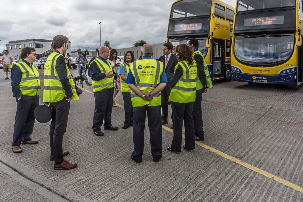 90 NEW BUSES FOR DUBLIN CITY [THE MINISTERS PLUS THE DRIVERS] REF-106981