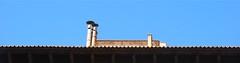 Par dessus le toit, le ciel... mais pas que ! (Pi-F) Tags: toit gouttière cheminée ciel bleu liseret azul cielo hogar canalón tejado fuera blau himmel kamin gosse dach auserhalb blue sky gutter roof outside chimney