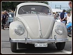 VW Beetle Split Windows, 1952 (v8dub) Tags: vw beetle split windows 1952 suisse schweiz switzerland german pkw voiture car wagen worldcars auto automobile automotive aircooled old oldtimer oldcar klassik classic collector