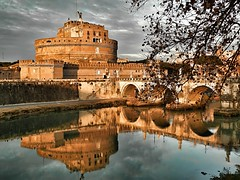l'angelo fra le nuvole (silvia07(very busy)) Tags: castelsantangelo angelo angel nuvole clouds fiume river tevere pontesantangelo