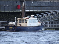 Fencer (divnic) Tags: uk scotland riverclyde clyde greenock boat glasgow fender tugboat tug cms tugboats braehead fencer workboat crewboat passengerferry clydemarine crewtender clydemarineservices passengercrewtender