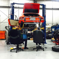 @rvorderman in the shop today working on the Porsche 912 with Ernie #Porsche #912 #vordermanmotorwerks #vordermanmw (vordermanmotorwerks) Tags: auto car truck autorepair service van suv fortwayne carrepair vorderman