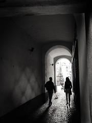 P6230045.jpg (brodecva) Tags: street light lamp silhouette couple prague arc cobbles passageway