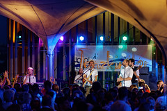 Tanzkinder (mattrkeyworth) Tags: people music zeiss band musik knoll würzburg weinfest weingutamstein sal135f18z tanzkinder hoffestamstein sonnart18135 laea3 sonya7r stefanwitzany