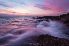 Pink Moment (Rouz 29) Tags: france bretagne brittany breizh bzh morbihan ploemeur porcoubar courégant kerroch rocks rochers sunset coucherdesoleil wave vague light lumière pink rose couleur color colorful wow seascape landscape paysage rocky rocheux sky ciel nuage cloud extérieur outdoor nature naturel natural