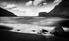 Stones at Tjornuvik - Faroe Islands (@PAkDocK / www.pakdock.com) Tags: 2016 faroe landscape pakdock travel sea nature beach island clouds cloudscape ocean black white grass sand seascape witch bnw islands panoramic blackandwhite outdoors landmark longexposure giant adventure voigtlander wanderlust tjornuvik seashore blanco y negro long exposure hoya filter sony a6000 monochrome outdoor cinematic waves pier water blancoynegro stones rocks rock