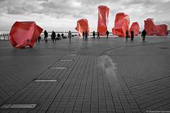 street art on the belgian coast (François Lacroix) Tags: canon conceptphotos selectivecolor red see 5dmk3 streetart belgium