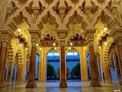 Aljafería Palace (Len K.) Tags: palace architecture islam zaragoza spain aljafería night gem