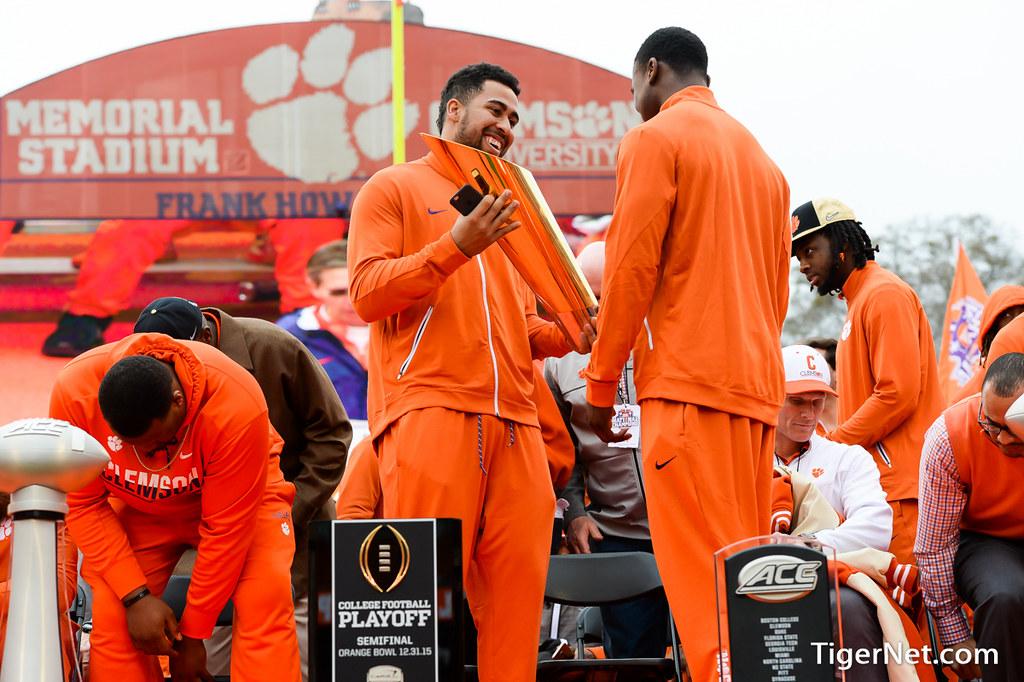Clemson Photos: Jordan  Leggett, 2016, Football