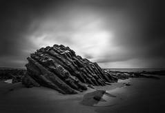 Criatura marina (Julieta Portel) Tags: rock seascape marine flysch asturias sky