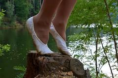 Nna pařezu (048) (Merman cvičky) Tags: balletslippers ballettschläppchen ballet slipper ballerinas slippers schläppchen piškoty cvičky ballettschuhe ballettschuh punčocháče pantyhose strumpfhosen strumpfhose tights collants medias collant socks nylons socken nylon spandex elastan lycra flat