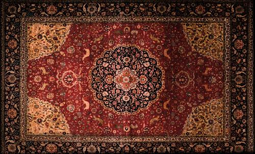 """Alfombras, espacios íntimos que simbolizan templos, árboles de la vida y el conocimiento, astros y paradisos. • <a style=""""font-size:0.8em;"""" href=""""http://www.flickr.com/photos/30735181@N00/32610066945/"""" target=""""_blank"""">View on Flickr</a>"""