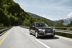 Audi Q7 (malhiermalda) Tags: road bridge mountains alps car dynamic swiss ad pass commercial alpen audi suv rolling mountainpass verbier swissalps carphotography fertig bruecke q7 passstrasse car2car