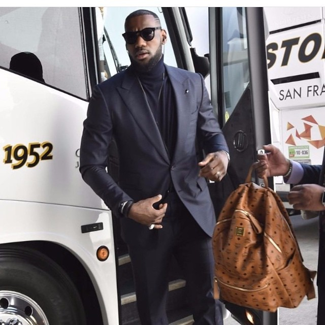 Lebron James looks ready for game 5 of the NBA finals ! #LebronJames #lebron #kingjames #menswear #philippplein  #instyle  #artist #power #elite  #fashion #fashionblog #fashionblogger #gq #mensfitness  #vogue #cosmopolitan #teenvogue #mensfitness #gq #cle