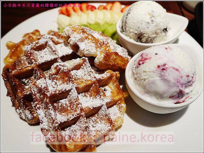 新村梨大 waffle it up cafe (15).JPG