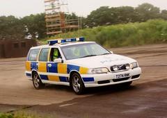 Warwickshire Police Volvo V70 (MJ_100) Tags: show volvo cops police policecar newark warwickshire copcar v70 showground emergencyservices constabulary emergencyvehicle trafficcar