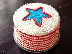 Best 4th of July Red, White and Blue Velvet Cake (recipesnfood) Tags: velvetcake dessertfood 4thofjulycake dessertrecipe 4thofjulydesserts nationalcelebrationday 4thofjulyrecipe holidaysweetdessert