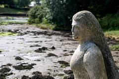Watching the tide roll in .... (Chalto!) Tags: art statue river image newport isleofwight medina iow
