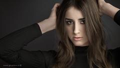 Anne-Fleur . . . (Geraldos ) Tags: annefleur shoot studio portret girl youngwoman beauty pose mood atmosphere portrait strong sterk blik look 50mm carlzeiss carlzeiss50mmplanart nikon d800 geraldos geraldemming mualindaemming