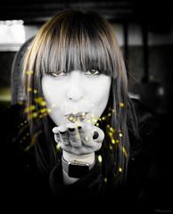 foto 360 (patrivivesm) Tags: me myself self selfportrait autorretrato yo yomisma retrato proyecto365 365project 365 35mm españa 365challenge 365projects proyecto nikon nikonist nikonista nikonistas nikond3300 nikonistasspain nikonists nikonistasespaña spain woman girl ginger redhead monochrome monocromo monocromático selectivecolour selectivecolor colour colorselectivo pelirroja red hair redhair purpurina glitter brillo bokeh xmas navidad christmas